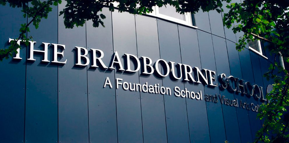bradbourne-school_signage_mobile